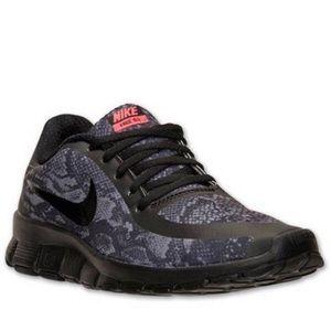 Nike Free 5.0 snakeskin print